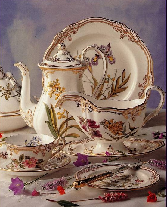 Spode tableware, Stafford Flowers pattern, bone china, lithographed & gilded 1986